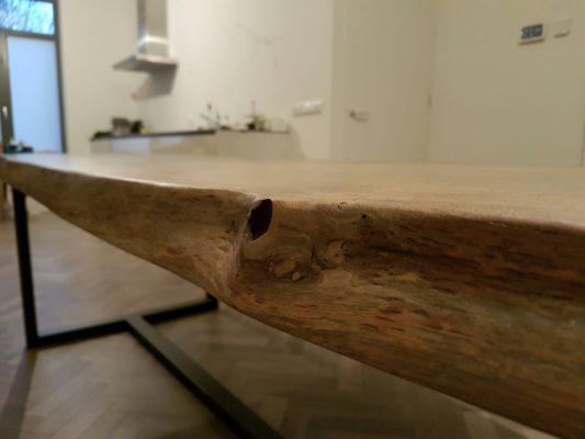Detail zijkant tafelblad