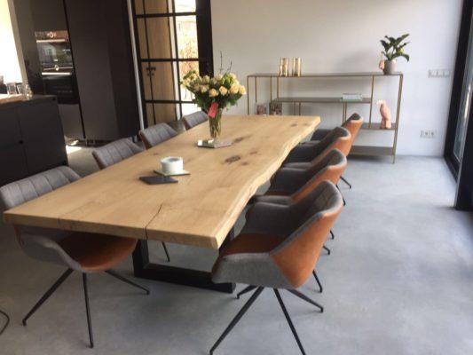 Inlandse eikenhouten tafel van drie meter